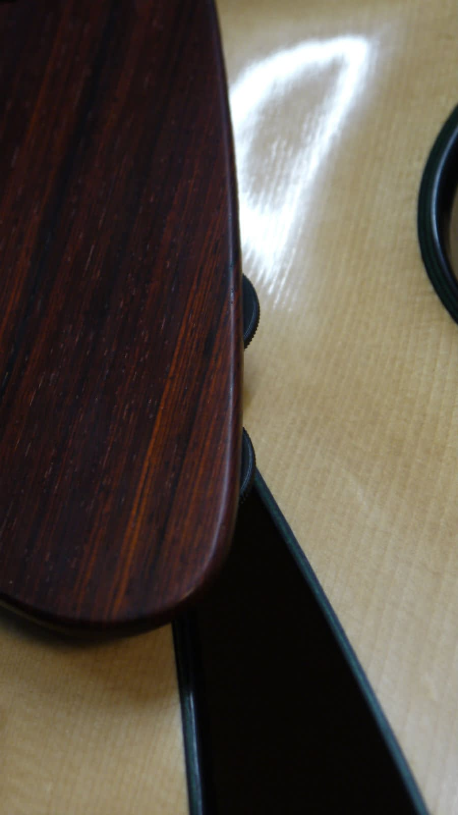 discreet volume and tone controls handmade archtop guitar uk